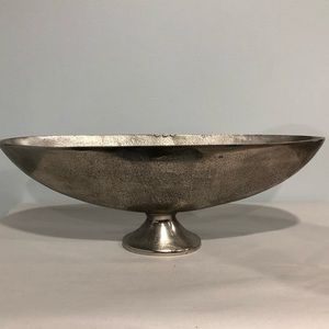Decorative oval bowl